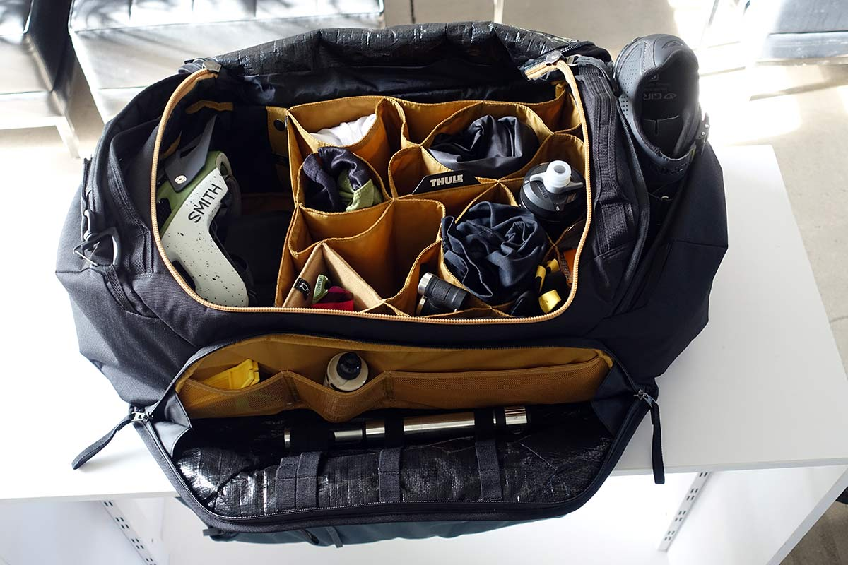 Thule-RoundTrip-Duffel-bag-for-cyclists-to-organize-riding-gear-01.jpg