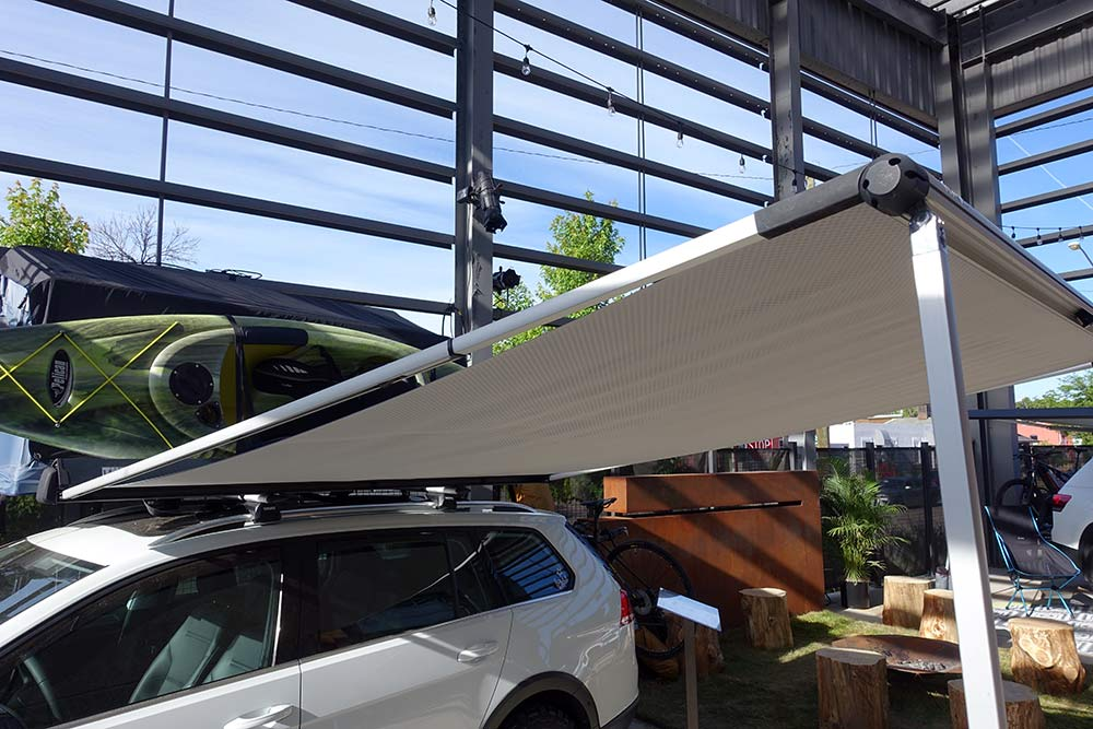 Thule-car-top-shade-canopies-02.jpg